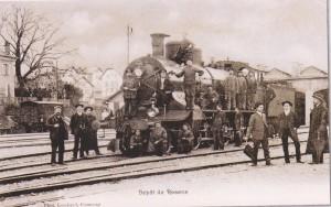 Locomotive à vapeur C 4/5 numéro 2400 devant le dépôt, vers 1910. (Source J.-C. Marendaz)